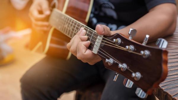 Différentes tailles de guitares - Mazik